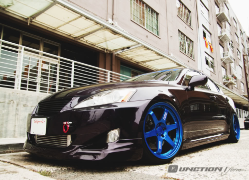 ashlehchrist:  Still one of my favorite Lexus cars.