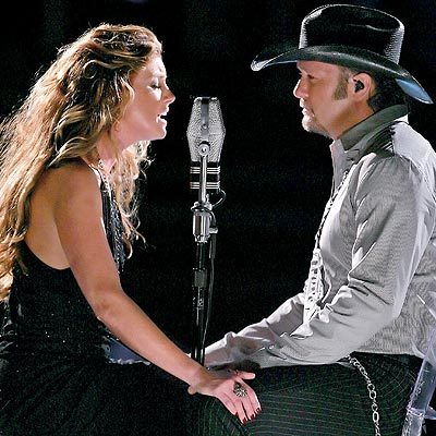 Tim McGraw and Faith Hill singing