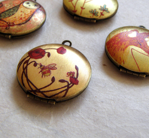 The lockets are done now! :) Check them out here: http://www.etsy.com/shop/bumblebooHandmades?section_id=7646647