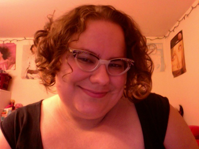 New haircut, courtesy of Pretty Pretty Collective. SO MUCH CURL!