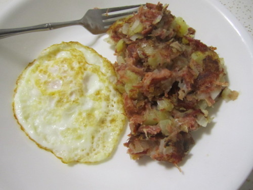 Homemade Corned Beef Hash Making good use of leftover St. Patrick's Day corned beef. Add a gooey fried egg and you got yourself an awesome meal. Taste better than the stuff from the can. Recipe is here.