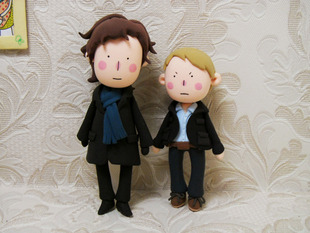 radiolocked:   Sherlock and John dolls. Check them out here. (The site is in Chinese, but if you use Google Chrome, you can translate the page.)  These are ADORABLE