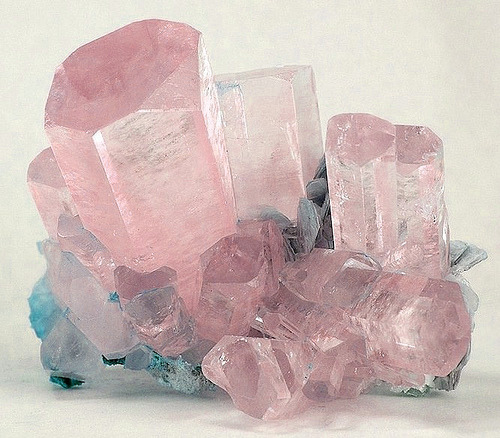 Crystal with pretty colors.