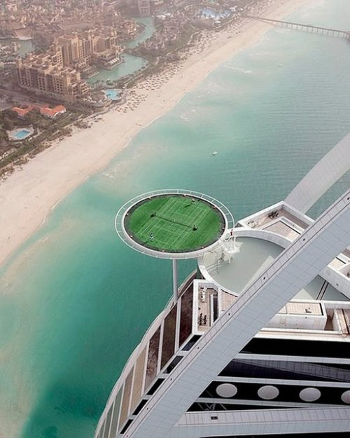(via Fancy - Tennis Court @ Burj Hotel Dubai)