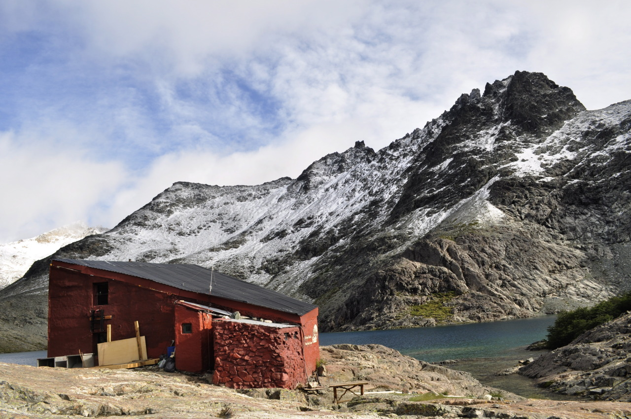 cabinporn:  Red hut in Refugio Italia, Argentina. Submitted by Rachel McLaren.