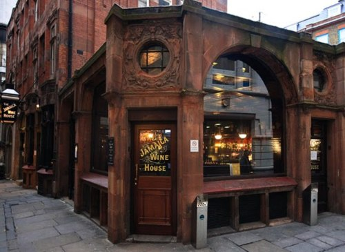 mrsamberapple:   London's first coffee house that opened between 1650 and 1652.  amazing. …fucking wine, taking over everything I love.  Still:  a beautiful building.