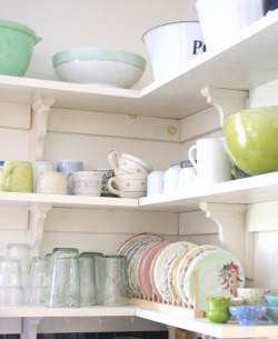 Kitchen by nestdecorating on Flickr.omg I have shelf envy! I love Tamaars quirky style