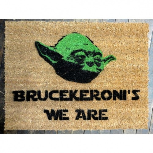 Customize your home with this hilarious Yoda doormat — last name and all!