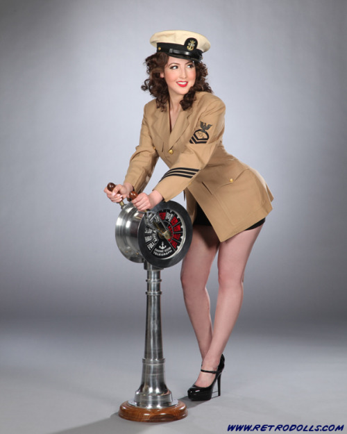Retrodolls.com World War Two Pinup Photo.