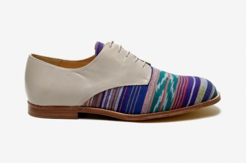 T&F SLACK SHOEMAKERS LONDON OKI-NI EXCLUSIVE IKAT DENVER DERBY SHOE Made with a modern twist on the classic Navajo print, Notting Hill's T&F Slack takes the Derby and gives it a unique feel in its 2012 Spring/Sumer lineup. In a traditional, five-hole, open-laced shape, the Derby sits on a leather outsole with a grey leather upper and tan welt. The Navajo print crosses the toebox and tongue, in a London-meets-early North America style.   You can buy yours now at oki-ni for approximately $325 USD.