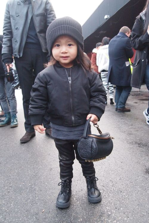 #streetstylethursday this little cutie is alexander wang's neice.  i want to squeeze her!