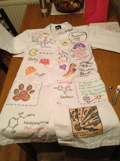 playing-doctor:  My lab coat :) for Chemistry and Human Biology