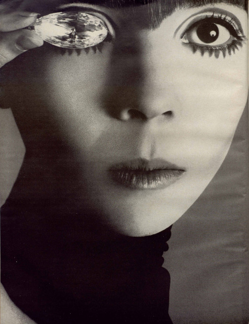 hotparade:  Richard Avedon - Penelope Tree, Vogue, 1967