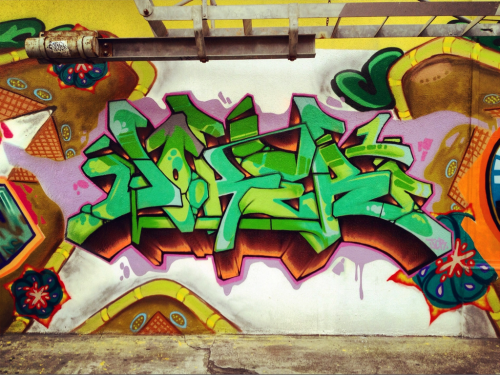 Sick fade! This piece has crazy flow in letters