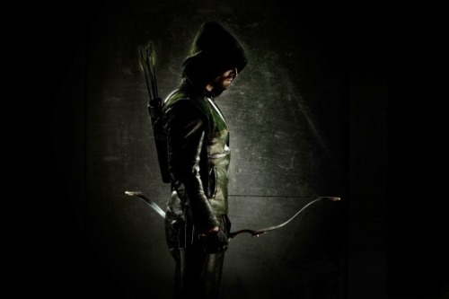 First Look at Green Arrow Costume from 'Arrow'