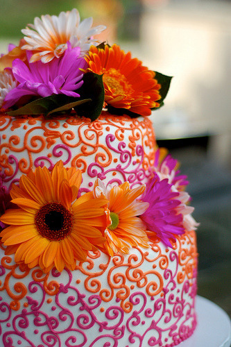 One of the prettiest wedding cakes.