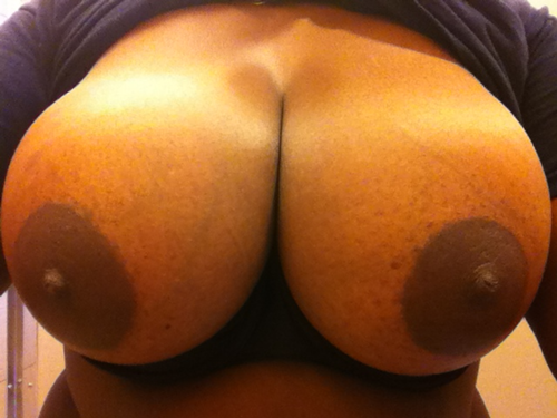 Another great submission!  Thanks!  Send me your big boobs HERE.