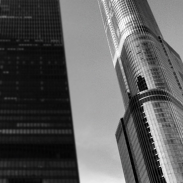 IBM & Trump. #miesvanderrohe #SOM #igerschicago #skyscraper #chitecture #architecture #chicago  (Taken with instagram)