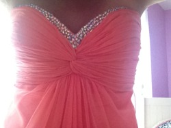 prettygoeswithanything:  prettygoeswithanything: Me in my prom dress! Do you guys like it?! :)