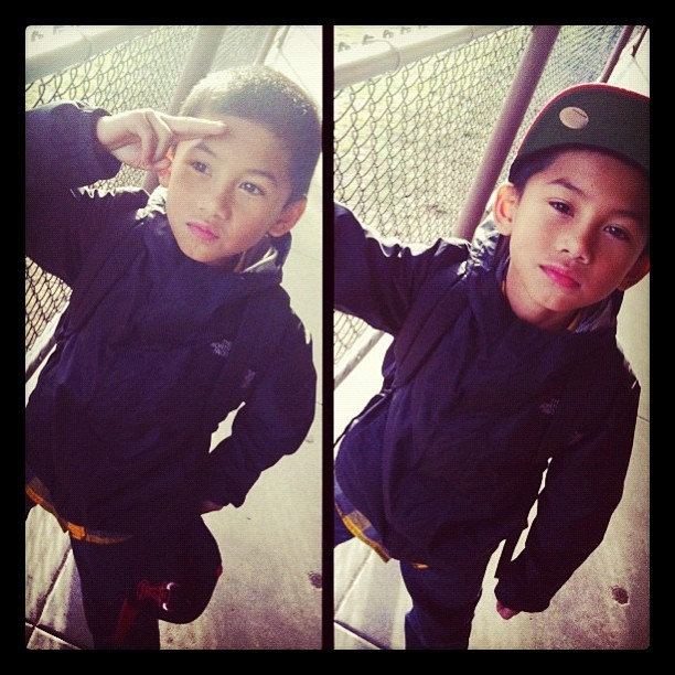 My eldest son be #steezin heavy on em. I took this pic from my niece @vraaaw #kids #Boy #teambackhand #igers #snapback #Steez #Swag #Son #Fatherhood (Taken with instagram)