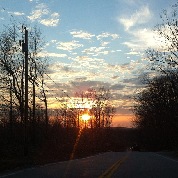 shauna-lynn:  Pretty sunset on the drive home #sunset #newhampshire (Taken with instagram)  Yes!  I was so pissed I had just missed it!