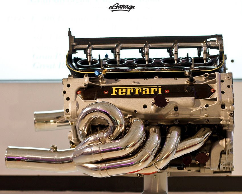 egaragedotcom:  Vroom Vroom - Ferrari Engine