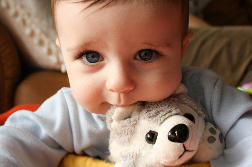 I want a cute kid like thiss!