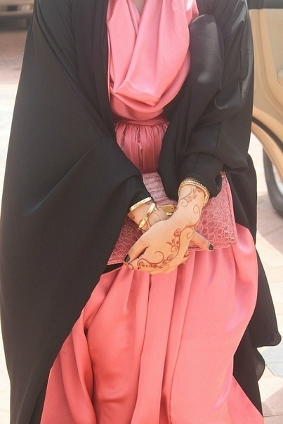 keepingtaqwa:  Love this abaya ~