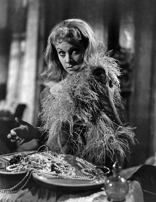 "Vivien Leigh in A Streetcar Named Desire (1951, dir. Elia Kazan) ""Blanche is a woman with everything stripped away. She is a tragic figure and I understand her. But playing her tipped me into madness.""  (via)"