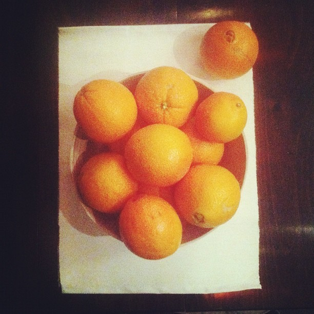 079 - a bowl of naranjas #fruit #oranges #food #photoaday #photooftheday  (Taken with instagram)