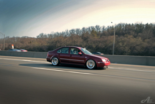 aar0n0k:Spice Red Rolling on Flickr.DubCult Jetta on CCWs Rolling