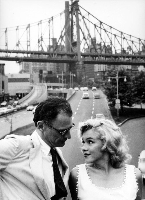 suicideblonde:  Arthur Miller and Marilyn Monroe photographed by Sam Shaw in NYC in 1957