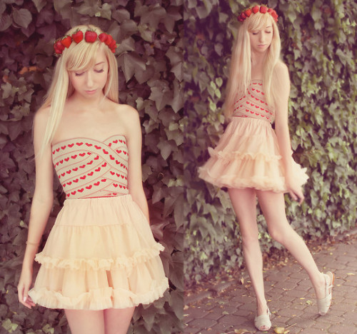 Strawberry Crown!  (by Elle Ribera)