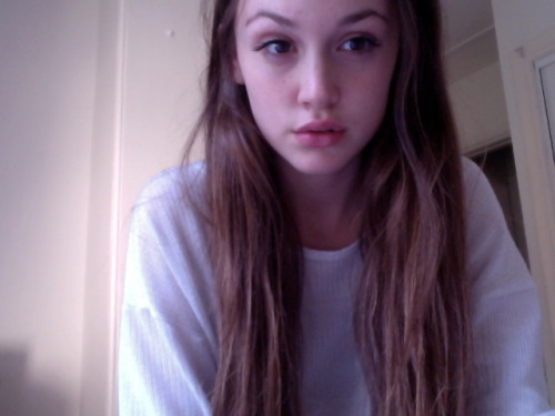 dullpale:  pale-body:  ✿pale/pretty here✿  message me when you're sad/lonely x