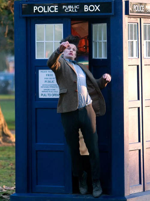 mattsmithisafoot:  Matt Smith tripping out of the TARDIS Thought I should bring this back