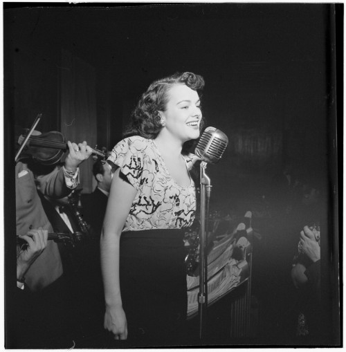 Singer with Justin Stone's Ensemble,1938-1948, William P. Gottlieb Collection, Library of Congress [LC-GLB23-1528 DLC].