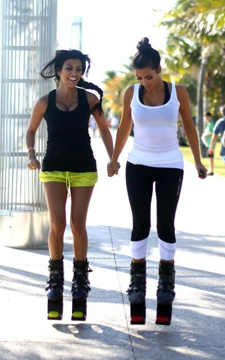 thegoldenbox:  jwanna:  Kim and Kourtney  Fun fun… I wanna do this