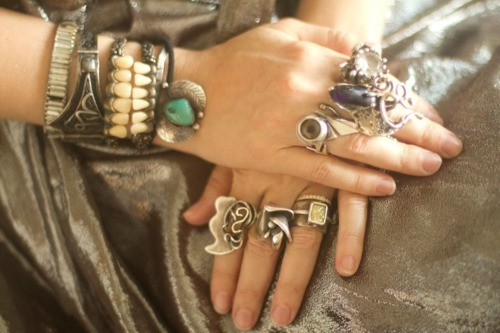 lulufrost:  BAUBLE OF THE DAY Rings on rings on rings.  Kaute(: