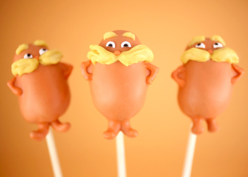 cakrybakry:  Lorax cake pops   I've been forgetting his eyebrows and nose in draw something
