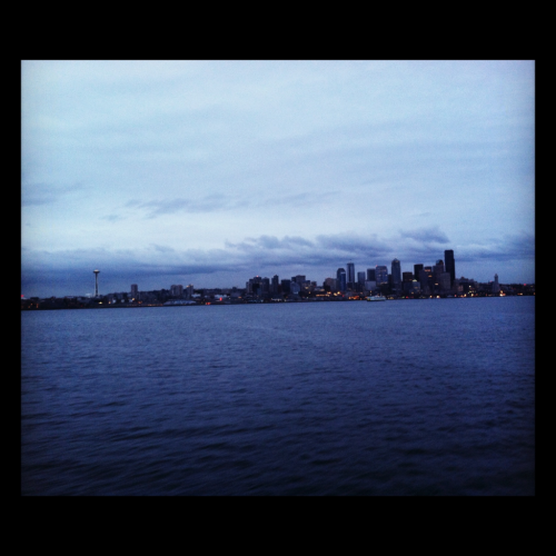 katyjoyjoy:  The view of Seattle from the Bremerton ferry :)