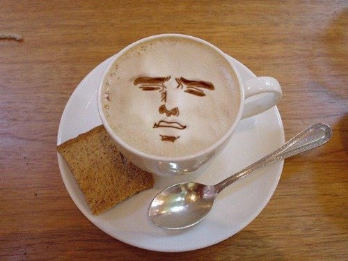 afternoonsnoozebutton:  knowyourmeme:  Finest latte drawing I've ever seen.  Somebody's art degree is paying dividends.
