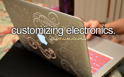 You have to customize to really make it yours! But my macbook does not look that cool! :(