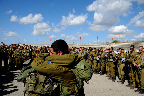 girlactionfigure:  דולפינא צהל ‏ @DolpheenaIDF  #IDF's Photo of the day: Comrades in Arms ~ True #friendship & caring flickr.com/photos/idfonli… #Israel #military via @IDFSpokesperson #soldiers