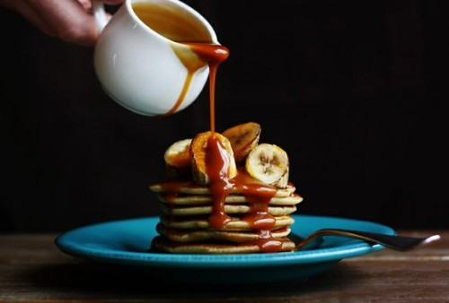 THE 'STACHE SUPPORTS: Coconut Pancakes with Grilled Bananas and Salted Caramel Rum Sauce  (via The Secret (secretstachesoc) on Pinterest)