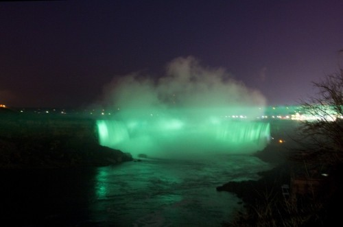 Niagara Falls was glowing green with joy as part of St. Patrick's Day celebrations this year! If you were there and snapped a photo, share it on twitter or instagram with #ExploreCanada and we'll retweet our favourites! https://www.facebook.com/KeepExploring
