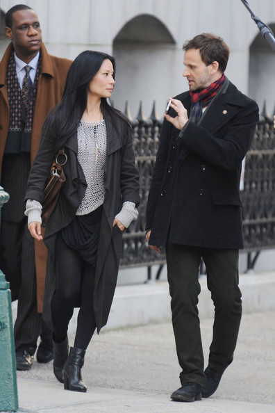 "fireandwhisper:  First look at the filming of the CBS pilot for ""Elementary"""