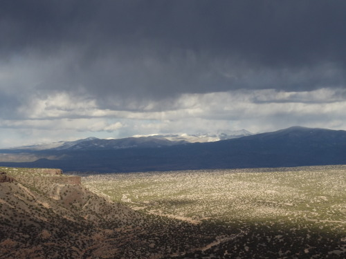 johnmuirism:  New Mexican stormy skies