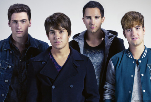 lisaarusher:  winchestroll:  danaloveslph:  jasminemaew:  bigtimeschmidtkitten:  bigtimerushalltheway:  chicago-hxc:  showmeimnotinvisible:  spider-schmidt:  carlos-latino-ass:  youknowimapsychic:  i cnat BREATEH requested by boyfriendformation  CARLOS(JAMES) LOOKS LIKE A LESBIAN ODGMDF  FUCKING AWKWARD MOMENT WHEN KENDALL WITH LOGANS HAIR DOESNT EVEN LOOK THAT BAD ADLKGJDOFIGFH BUT JAMES LOOKS LIKE AN ALIEN AND CARLOS REALLY DOES LOOK LESBIAN AND LOGAN JUST LOOKS ODD  OH MY GUCKING GOD INPEEING OMG  Logan's hair!!!  THE FUCK HAHAHAH  LIFE ALERT 911 SEND HELP I would be 100% okay with Kendall cutting his hair like this.   ^^Same. He looks hot with this hair too  VHWAHAT IS HAHPNENING  HAHAHAHAHA I'M DYING xd oh god Logan's hair xd  OMBTR!I'm laughing so hard right now! HAHAHAHA ;D Logan's hair…and alien James….lesbian Carlos…Kendall looks kinda good….THIS MADE MY DAY!