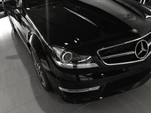 highrisesociety:  Chicago : Car Shopping : 3.20.12