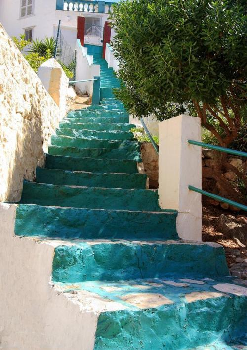 Green Steps - Hydra Town, Hydra Island, Greece (via flickr)